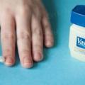 7 Цінних лайфхак для тих, хто не вміє фарбувати нігті.