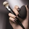 Beauty blender.іспользовать інструмент значно простіше, ніж багато звичні засоби для нанесення тональної основи.