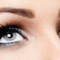 Бережіть очі замолоду: поради по догляду за шкірою повік