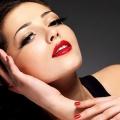 Варіації макіяжу для темного волосся
