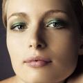 Фото блондинок з каре зеленими очима