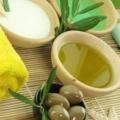 Оливкова олія - рідке золото для жіночої краси.