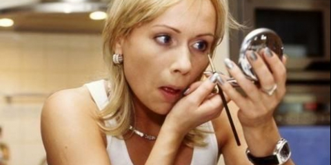 10 Помилок макіяжу, які вас старять: