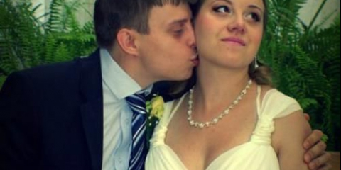 """Дорогі наречені! Ще продовжує діяти акція """"весільний образ за 2000 рублів"""" *."""