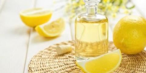 Ефірна олія лимона для волосся - прекрасна основа для лікувальних масок