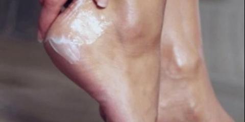 Як зробити приголомшливий крем для догляду за пяточками.