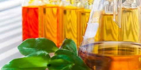 Яке ефірне масло може використовуватися в догляді за обличчям