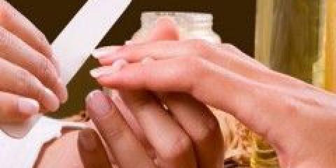 Яке нарощування нігтів краще?