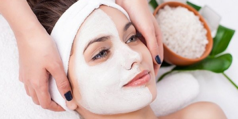 Лікувальні маски по догляду за обличчям з аптеки