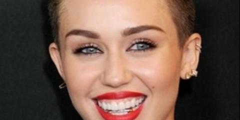 Makeup: покрокова інструкція макіяжу майли з червоними губками?