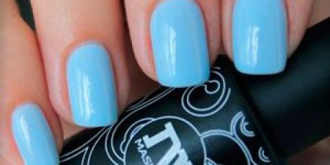 Манікюр блакитного кольору з фото-прикладами