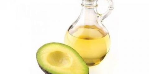 Масло авокадо для волосся містить джерело вітамінів і мікроелементів