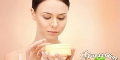 Зморшки не пройдуть: 10 правил догляду за шкірою після 35 років.