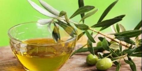 Оливкова олія для обличчя.