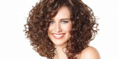 Поради по догляду за кучерявим волоссям в домашніх умовах