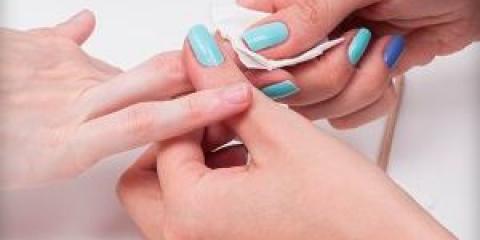 Спеціальні засоби для знежирення нігтів