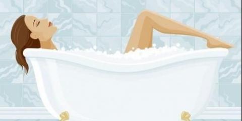 Зволожуюча ванна.результат: м`яка і гладка шкіра.