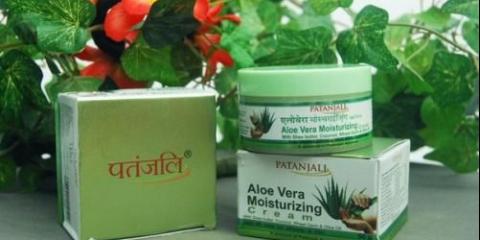 Зволожуючий крем з алое вера патанджалі, moisturizer cream patanjali, індію, ~ крем на основі масла кокоса і соку алое вера.